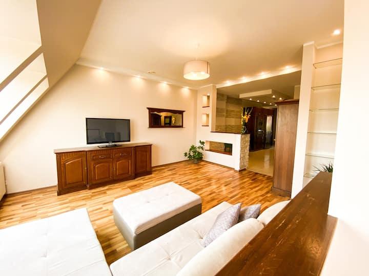 Pokój w apartamencie przy Teatrze Polskim