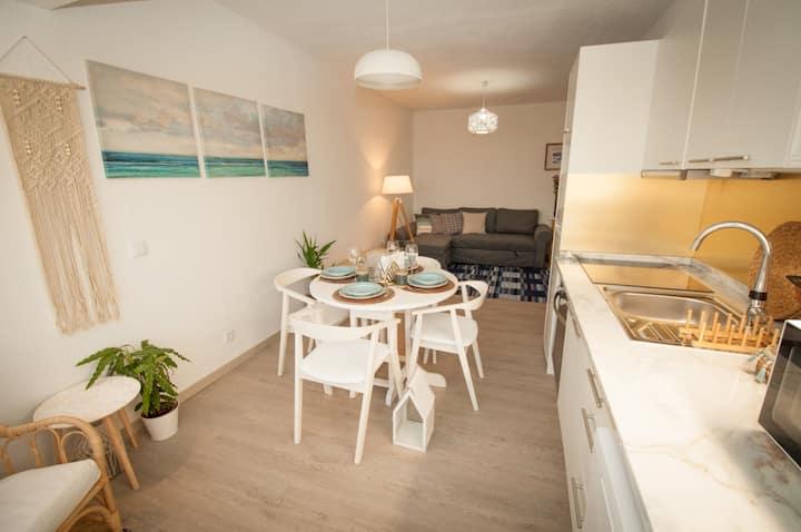 Moderno apartamento de 2 quartos na Costa