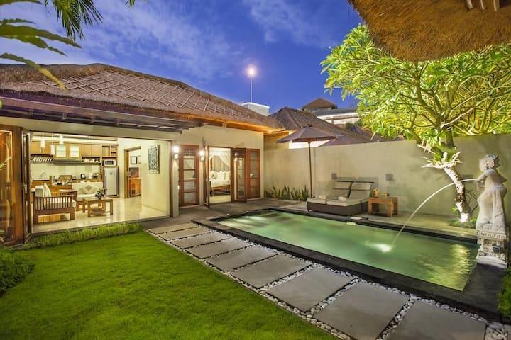 1 BR Private Pool Villa+Breakfast+Close to Beach