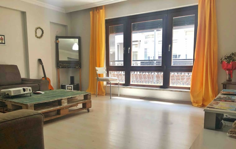 Modern Cozy House in Alsancak Kordon