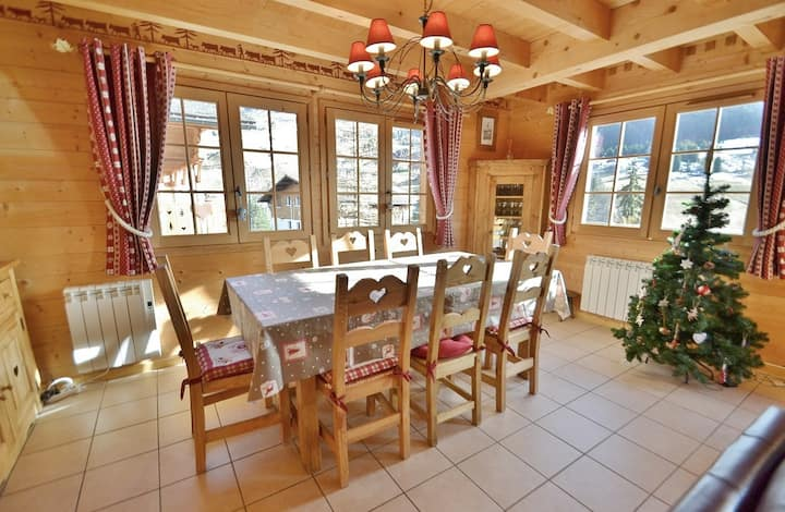Stylish 4 bed chalet for up to 8 opposite the slopes with wifi.