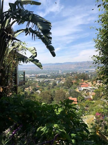 PEACEFUL Retreat INCREDIBLE Views Hollywood Hills