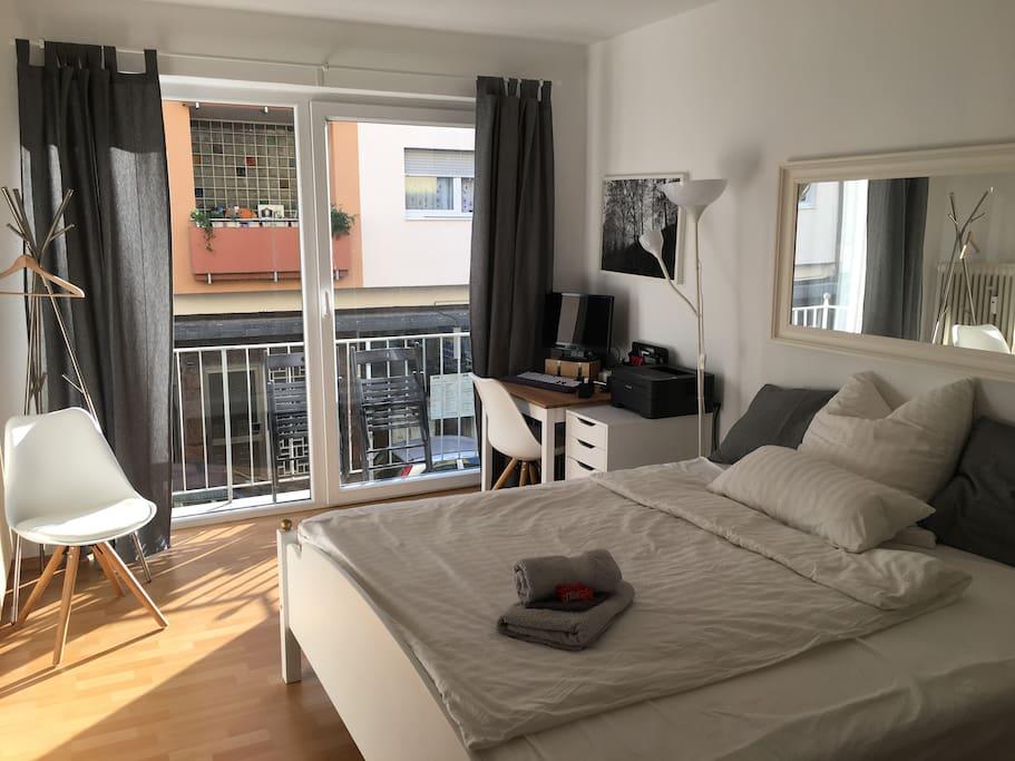 zentrales komfortables zimmer am paradeplatz wohnungen zur miete in mannheim baden. Black Bedroom Furniture Sets. Home Design Ideas