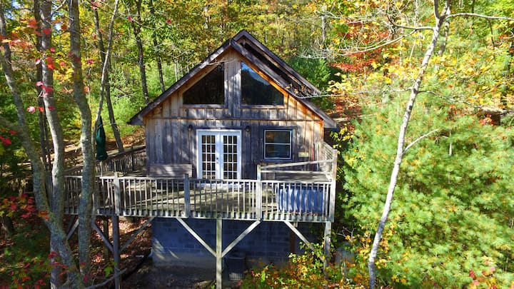 Family Treehouse  Cabin #2, Sleeps 4+