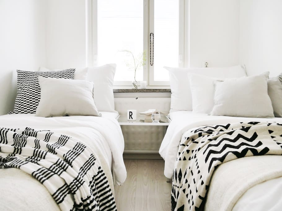 Get a good sleep in our fresh & laundred hotel sheets.