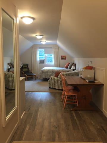 Private Studio Apartment on Portage Lake