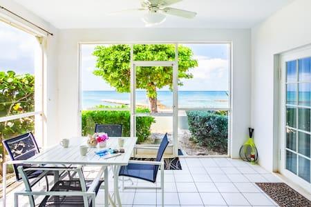 Grandview condominium right on the beach!!!