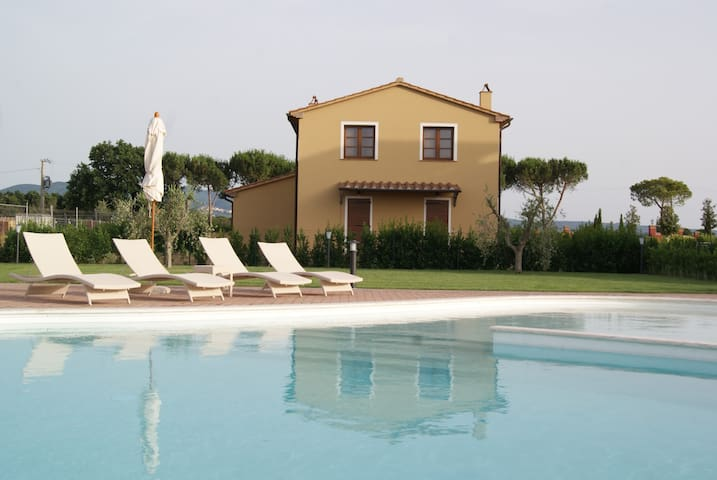 apartment near the sea with pool - Castagneto Carducci - House