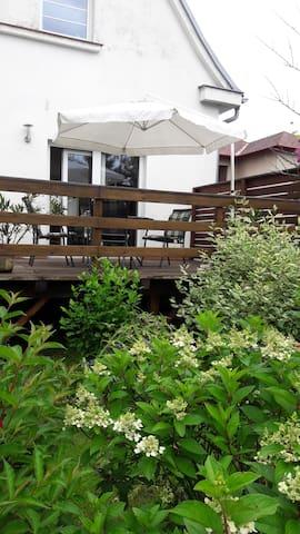 Pokoj  v domě (u Benešova) uprostřed zahrady - Bystřice