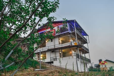 4 Suites amazing Himalayan View | Orchard | Lawn