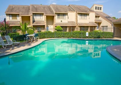Big 3 Bdrs 9ppl, Come and stay at my TimeShare - Montgomery