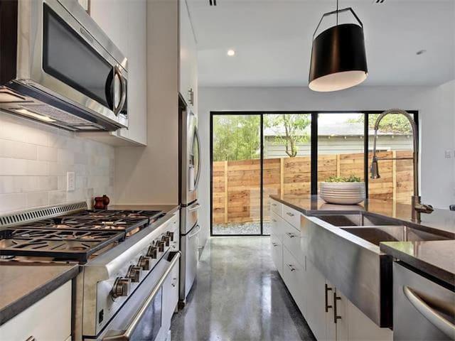 high end applianced kitchen