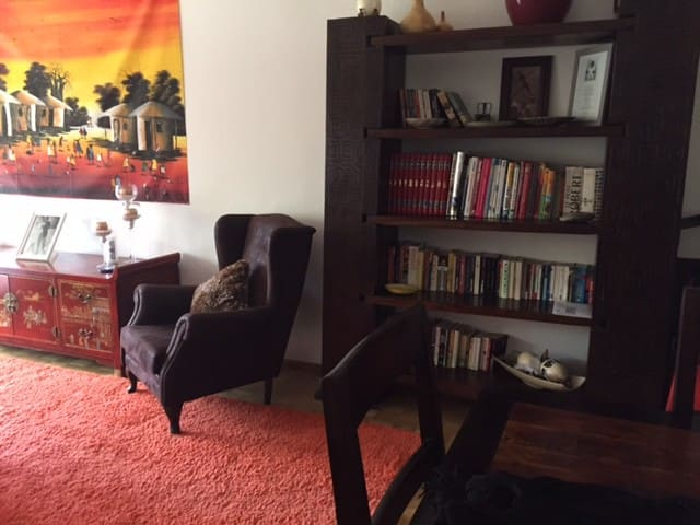 Big room in spacious apartment - Onex - Pis