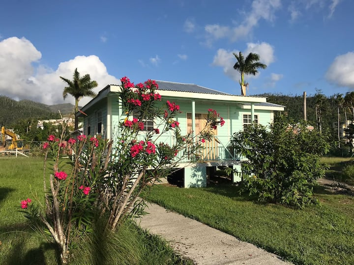 Dominica Cottage 3- close to the beach