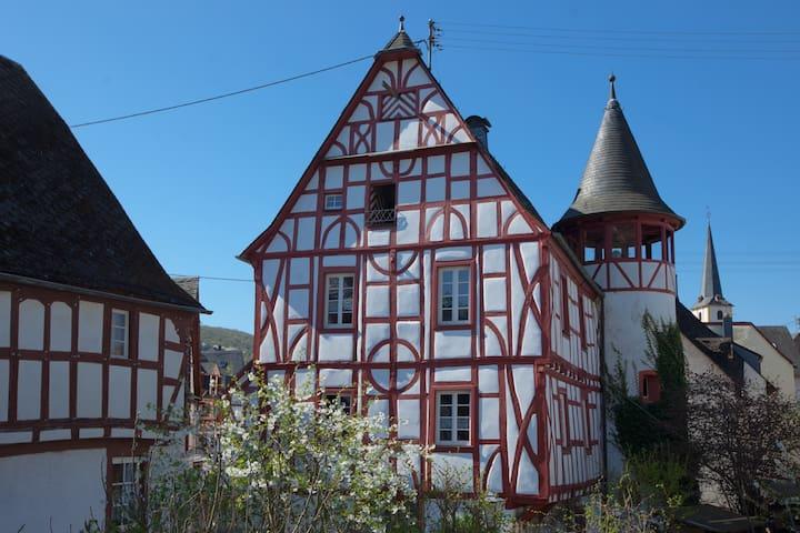 Altes Rathaus Pünderich, Mosel
