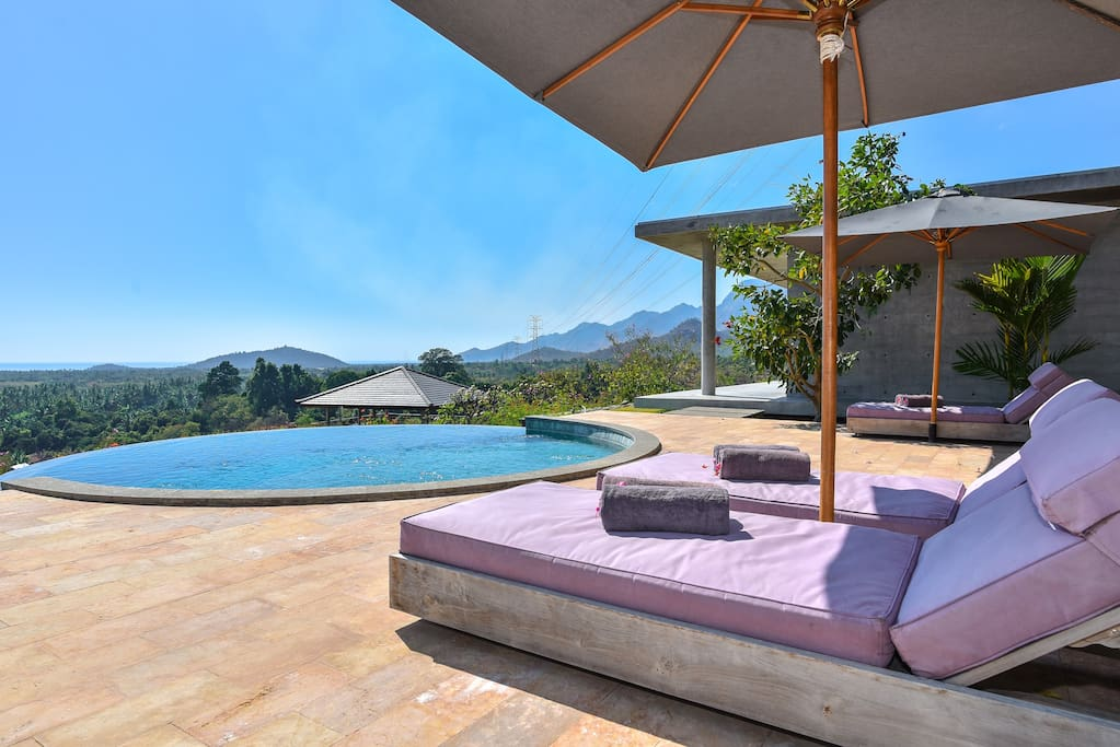 Poolarea with spectacular views