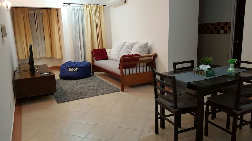 Simple, Complete, Clean & Easy Condo - Petaling Jaya - Condominium