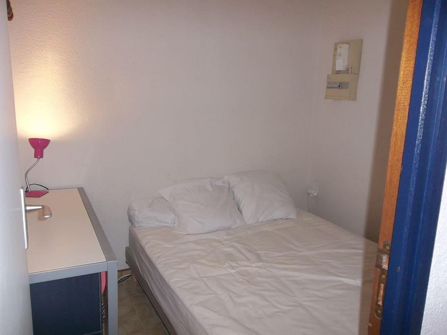 Chambre lit double 140*190