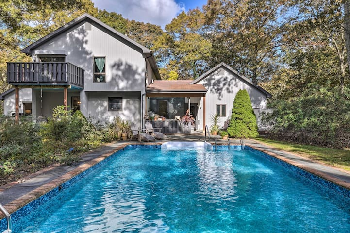 'Ober Oaks' East Hampton Beach House w/Pool & Deck