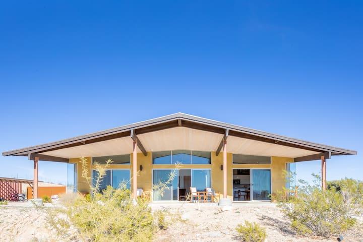 Las Alas del Sol- A Desert Architectural Gem