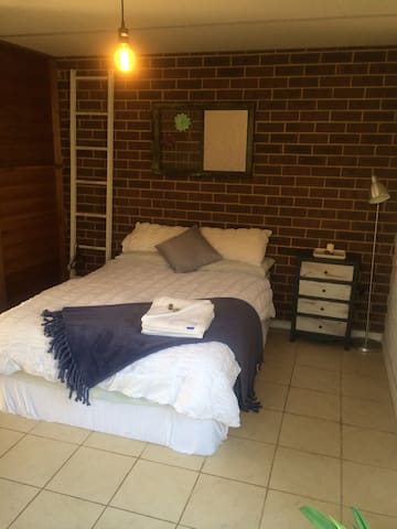 Beautiful studio near Freo & beach. - Spearwood