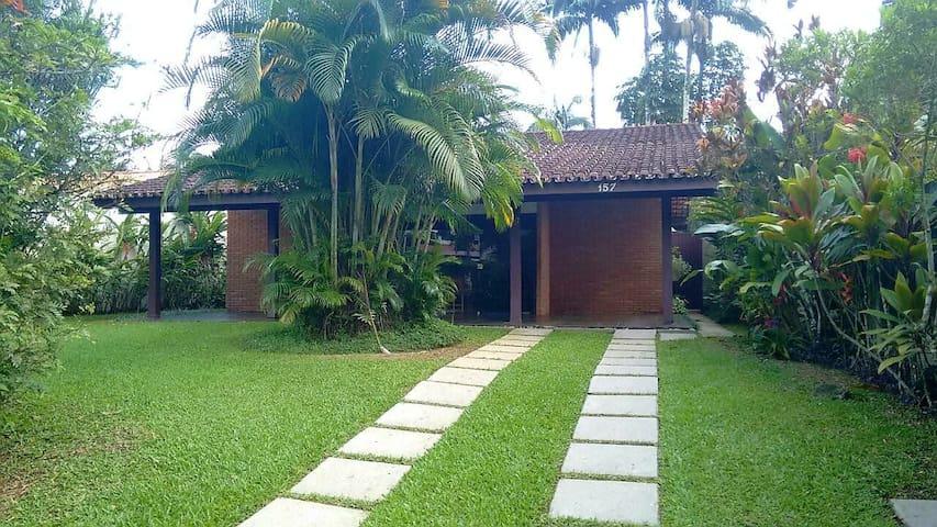 Casa no Cond. Pedra Verde  - Lázaro - Ubatuba