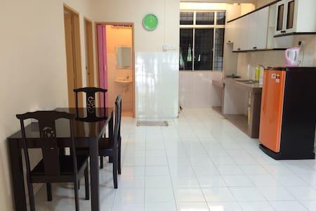 Melody Homestay. 3 - Malacca - Apartment