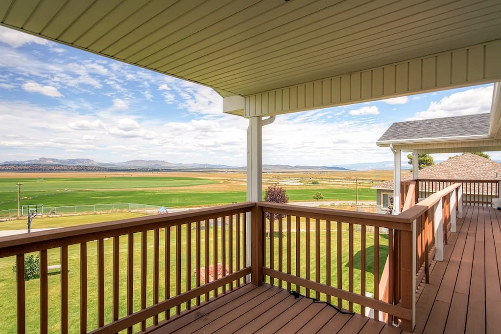 Spend countless hours on the spacious back deck, admiring panoramic mountain views.