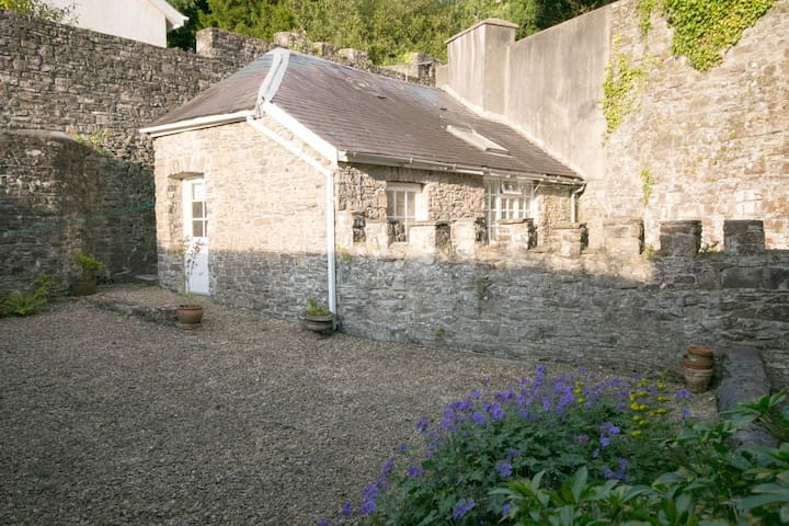 Abbey Cottage