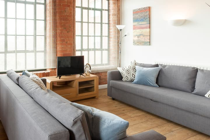 Relaxation guaranteed, Stunning available 2bed Apt