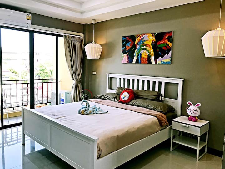W&I GUEST HOUSE   Comfortable queen room No.2