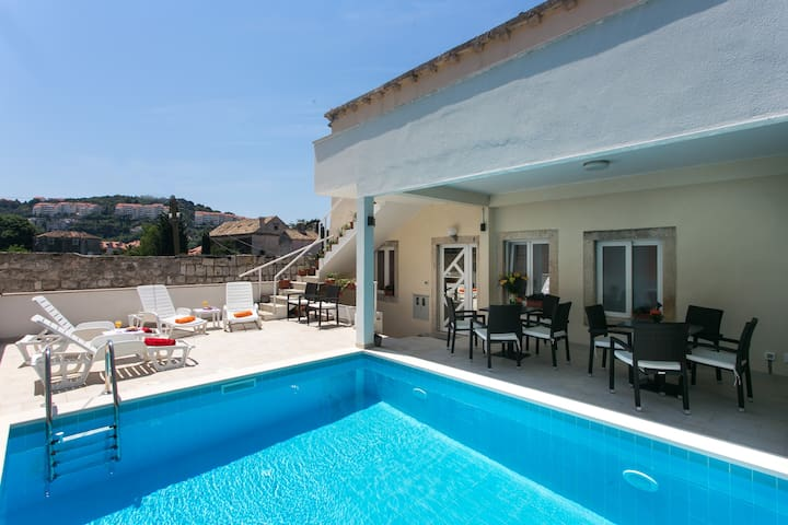 Gabrieri - One Bedroom Apartment with Terrace
