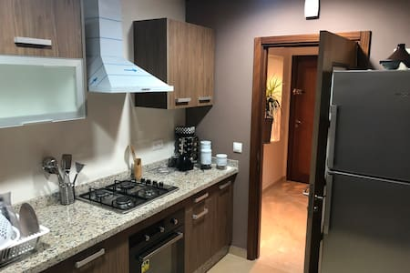"luxury flat ""near airport""  VERY CLEAN"