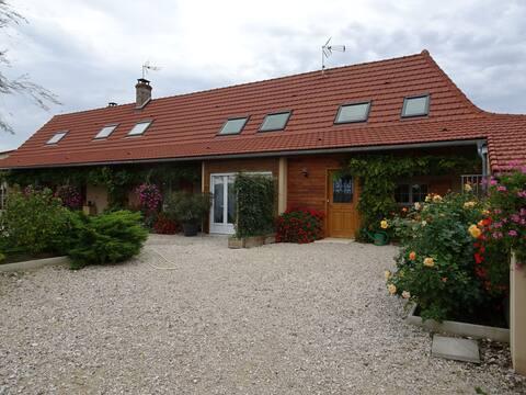 Appartement et piscine dans ferme Région Bourgogne