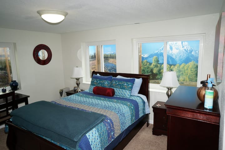Complete private basement near Air Force Academy