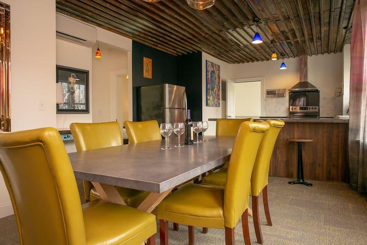 Luxury Bed & Breakfast Queen Bedroom w/Healthclub