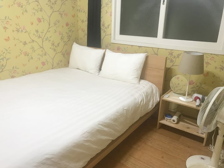 KYB House #1-3 Queen Bedroom Hongje Station 주차불가