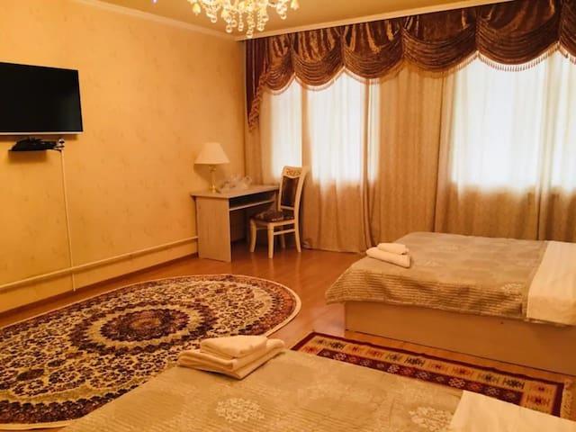 Your cosy room in Astoria B&B 2 (shared bathroom)