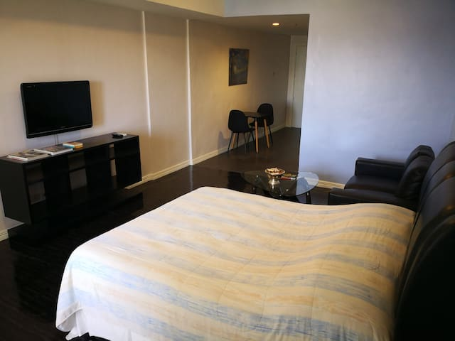 BIG & NEW STUDIO UNIT IN MAKATI CBD