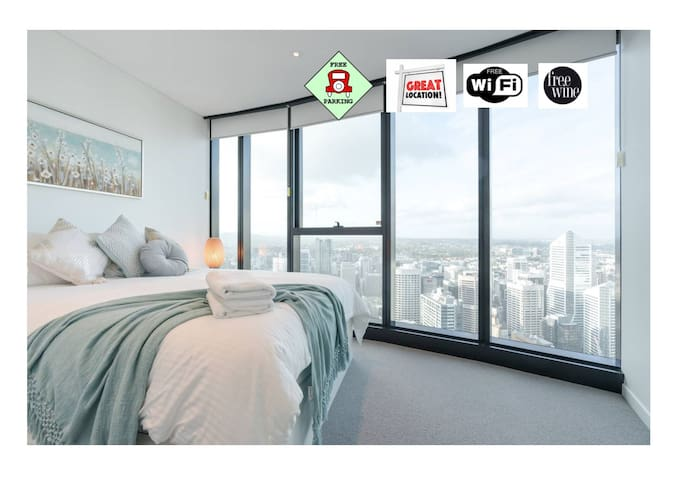 1 bed with carpark+Wifi. Breathtaking views. CBD