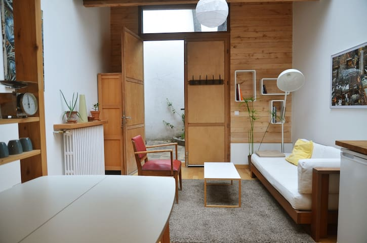 Studio lumineux sous verrière - Montreuil - Adosado
