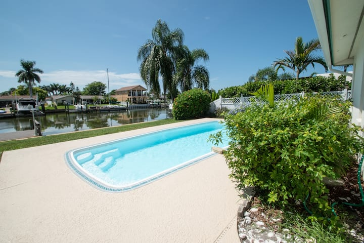 Pool/Close to Interstate & Beach/Space/Waterfront