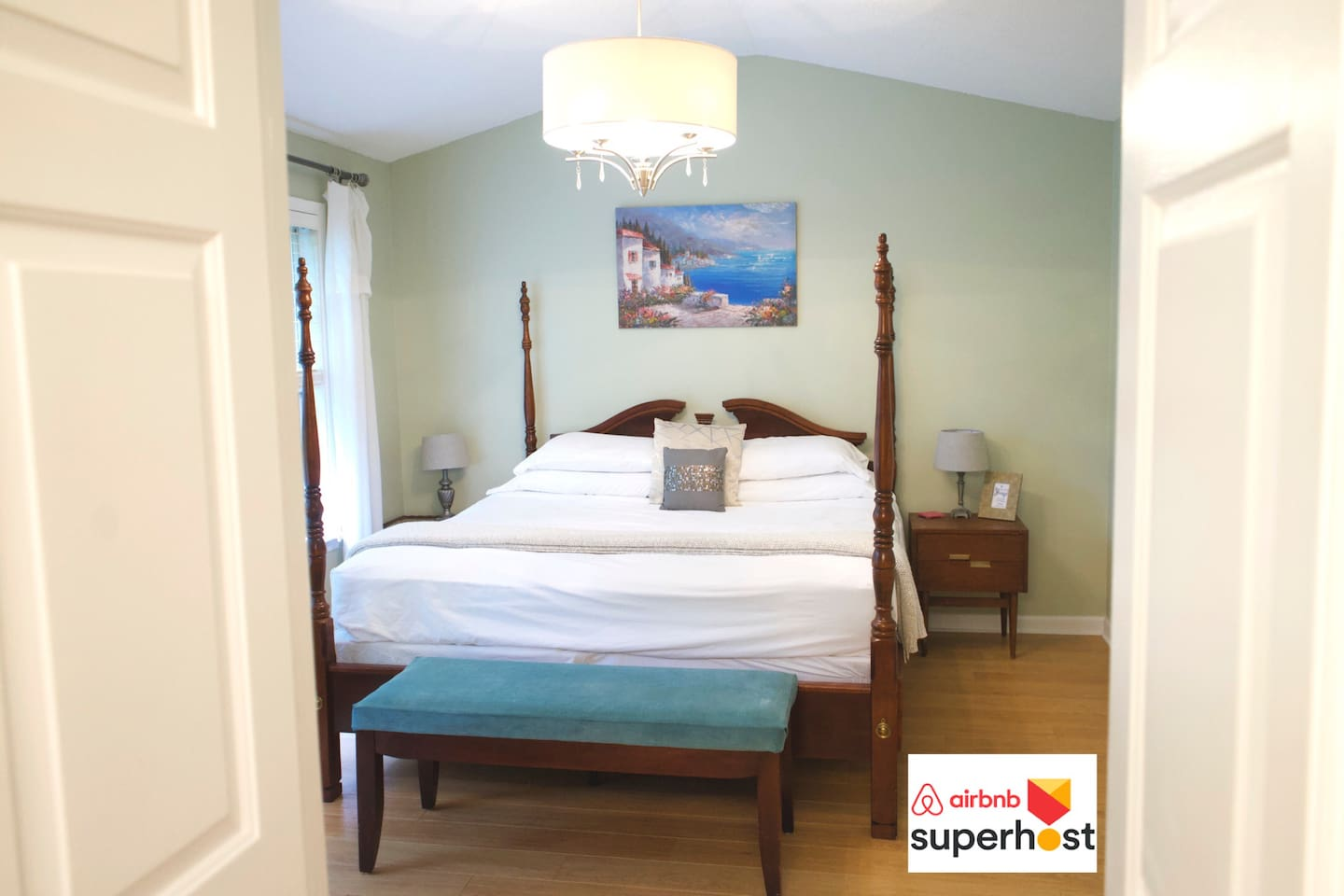 Guest suite 4-post, king size bed guarantees a good night's rest
