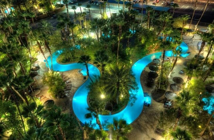 Tahiti Village at Las Vegas 💠