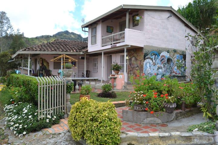 Finca del Monte Rincón Santo - naturaleza y arte