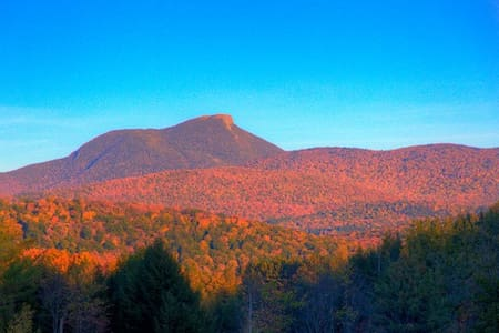 Stunning views from Camel's Hump! - House