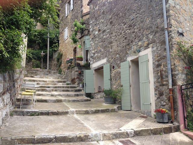 Maison 2 pièces au calme - Conségudes - Casa