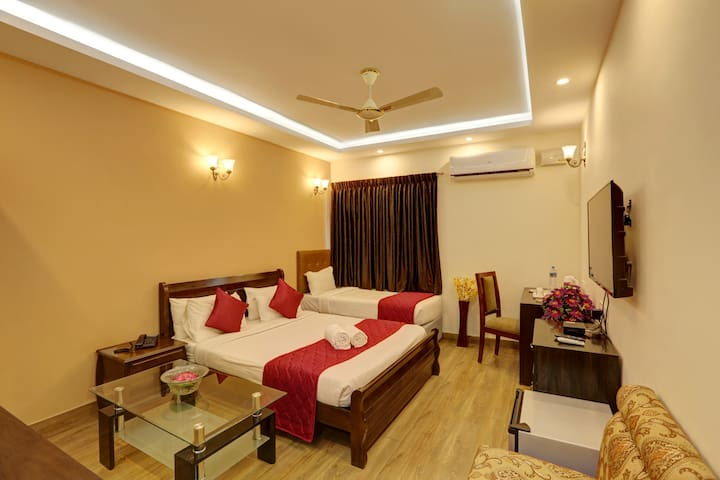 Luxurious Private Room  with Triple Bed