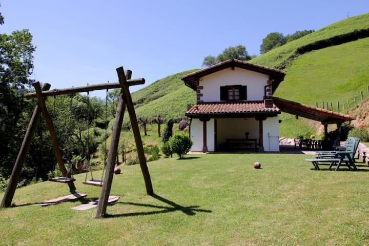 Casa rural aislada en Etxalar