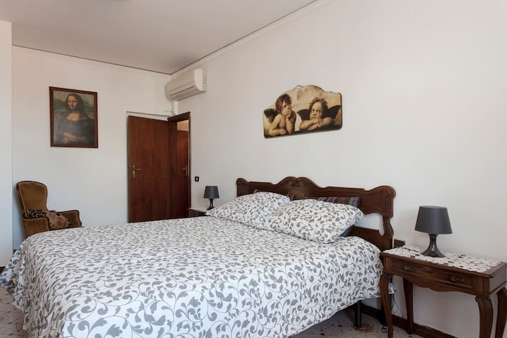 Central Apt with panoramic terrace - Florence - Appartement
